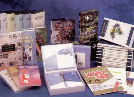 1992 - A partir da década de 1990, a FEO apoiou a publicação de diversos livros