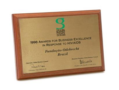 07/1998 - Excelência Empresarial nos Programas de Prevenção HIV/AIDS
