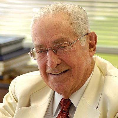 2014 - Em julho, faleceu o idealizador e grande incentivador da Fundação, Norberto Odebrecht