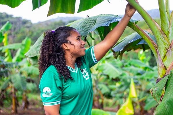 Conheça Jhemily Silva, adolescente beneficiada pelo Tributo ao Futuro