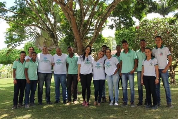 Agentes do Futuro, em 2018, junto aos beneficiários do Programa Social da Fundação