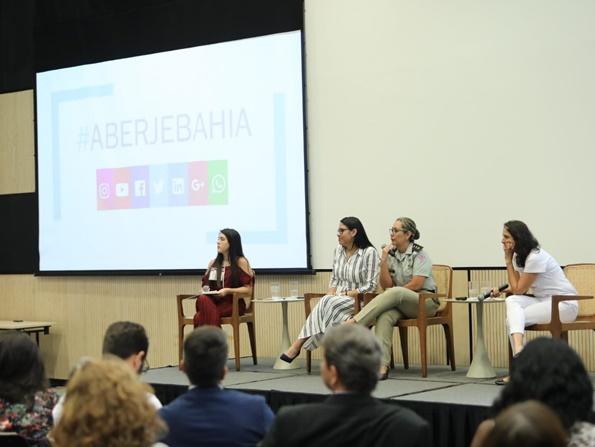 Avaliação de Impactos do programa social da Fundação Odebrecht em evento de comunicação empresarial
