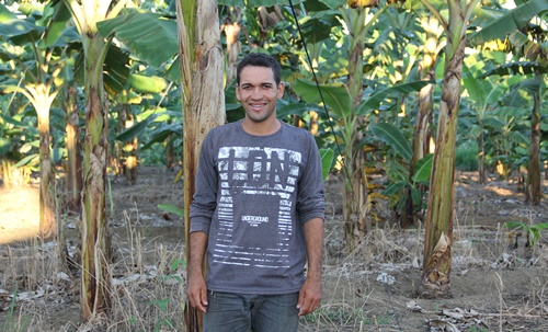 Today, Edivan, 28 y.o., owns his own business.