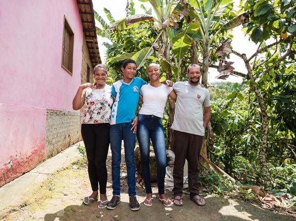 Adolescentes com Mairí dos Santos são beneficiados pelo Programa Social da Fundação Odebrecht