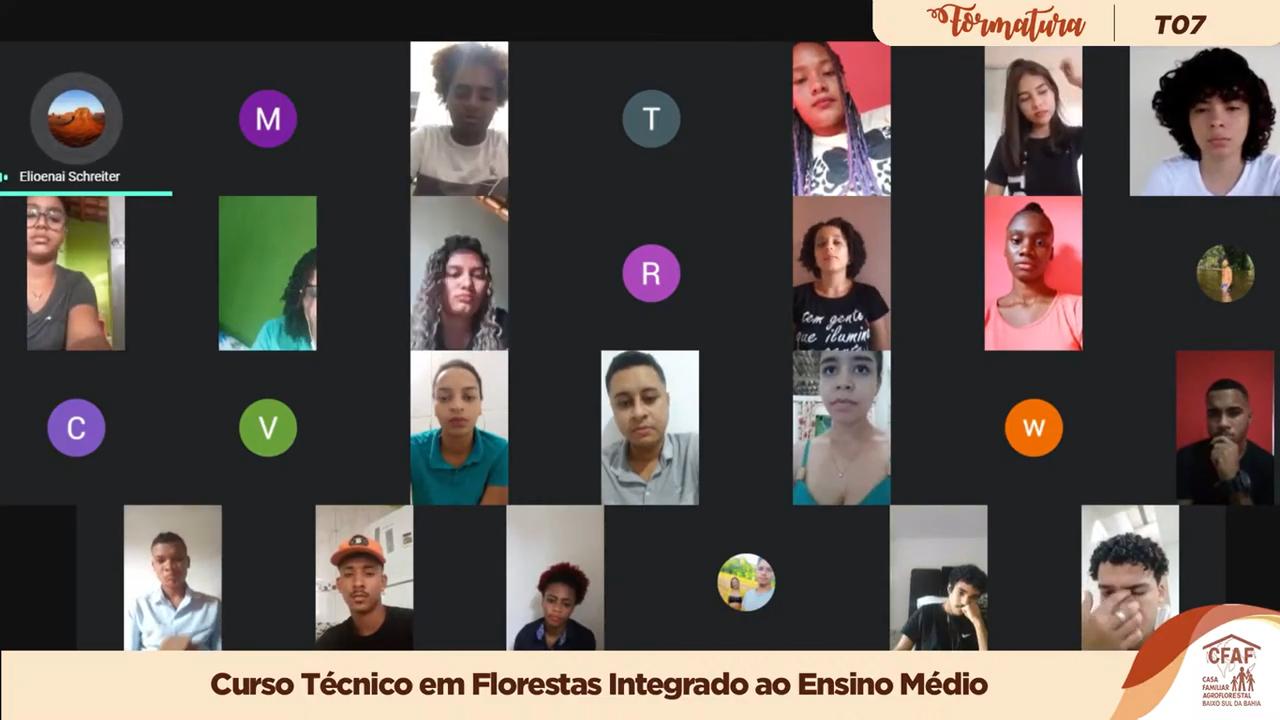 Um print de uma reunião online, com alguns jovens olhando para sua câmeras.